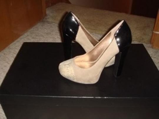 BCBGMAXAZRIA Black/Tan Pumps