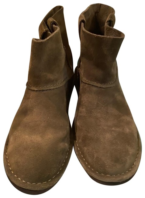 Item - Olive Green Uggs Boots/Booties Size US 7 Regular (M, B)