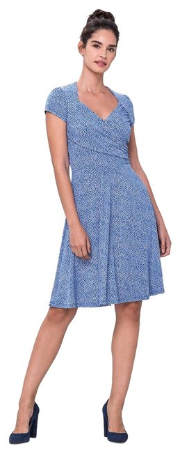 Item - Sweetheart Mid-length Cocktail Dress Size 6 (S)
