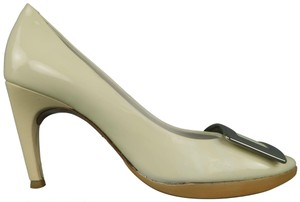 Roger Vivier Patent Leather Italy Silver Cream Pumps