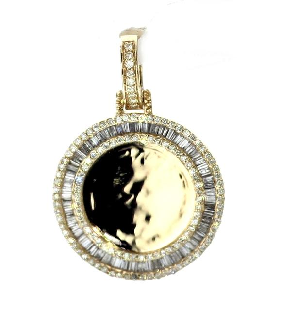 Item - Yellow Gold 14k Picture Frame Pendant Round Medallion Baguette Pendant Charm