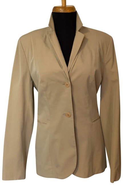 Item - Beige Stretch 2/4 Pant Suit Size 2 (XS)