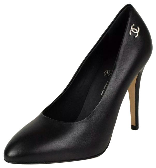 Item - Black Classic Leather Cc Silver Logo Pumps Size EU 41 (Approx. US 11) Regular (M, B)