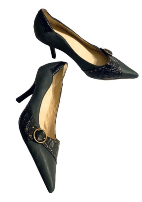 Item - Black Pointy Toe with Stacked Heels Pumps Size US 7 Regular (M, B)