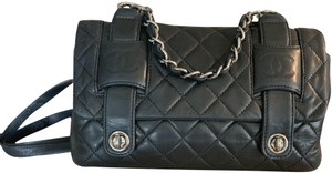 Chanel Quilted Chain Handle Turn-lock Closures Leather Shoulder Bag