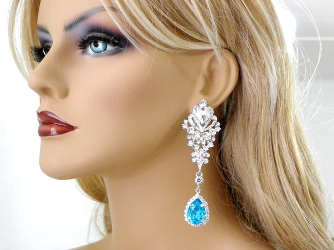 Item - Turquoise Chandelier Crystal Long Earrings