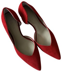 1.STATE Red Pumps