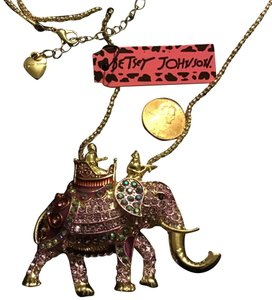 "Betsey Johnson 24.5"" Queen Trot Elephant Necklace"