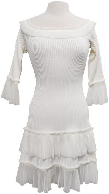 Item - White Ribbed Small/Medium Mid-length Cocktail Dress Size 6 (S)