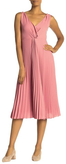 Item - Pink Twist Baies Front Pleated Mid-length Night Out Dress Size 8 (M)
