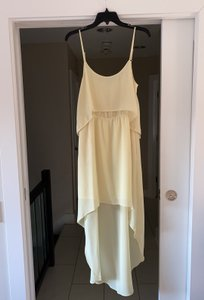 BCBGeneration Pale Yellow Light High-low Guest Feminine Bridesmaid/Mob Dress Size 6 (S)
