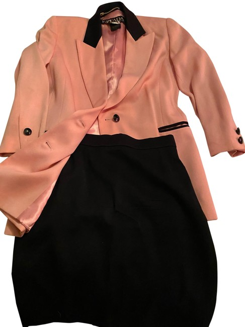 Item - Pink and Black Skirt Suit Size 6 (S)