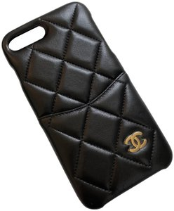 Chanel NIB CHANEL 2019 Quilted iPhone 8 Plus Case