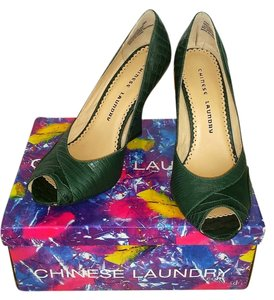 Chinese Laundry New In Box Never Worn Foxy Forest Green Wedges