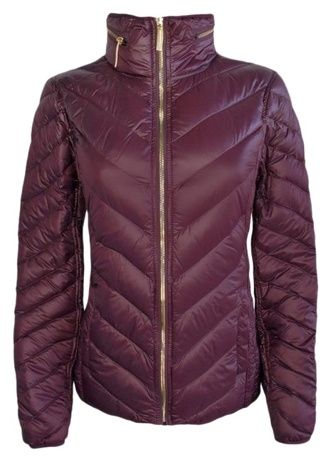 Item - Burgundy Packable / Hood Coat Size 8 (M)