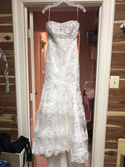Item - Ivory Polyester Lace Strapless Gown with Lace/Beading Overlay Feminine Wedding Dress Size 2 (XS)