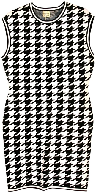 Item - B/W Erin Houndstooth Short Casual Dress Size 12 (L)