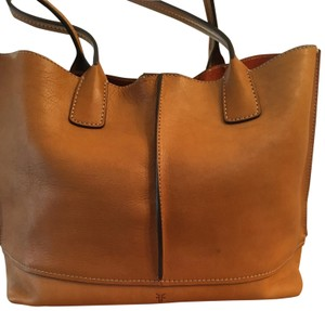 Frye Tote in Tan