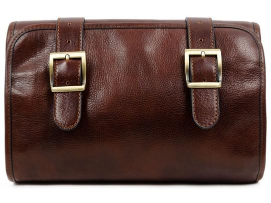 Preload https://img-static.tradesy.com/item/26969436/dracula-toiletry-brown-leather-weekendtravel-bag-0-0-540-540.jpg