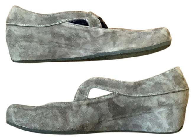 Item - Gray Suede Wedge Flats Size US 9 Narrow (Aa, N)