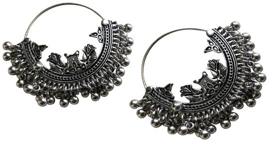 Preload https://img-static.tradesy.com/item/26970349/anthropologie-silver-moroccan-coin-fringe-round-delicate-threaded-hoop-hoops-earrings-0-1-540-540.jpg