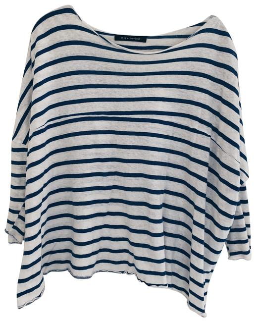 Preload https://img-static.tradesy.com/item/26970723/blue-and-white-classic-style-tee-shirt-size-os-one-size-0-1-650-650.jpg