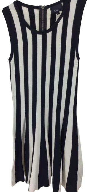 Item - Black/ White Striped Sweater Mid-length Short Casual Dress Size 6 (S)