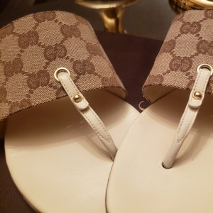 Gucci GG Brown Canvas With Cream/ Ivory Leather Insole Formal
