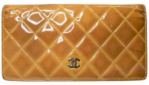 Chanel Chanel Diamond Quilted CC Mongram Clutch Wallet Shine Patent Leath