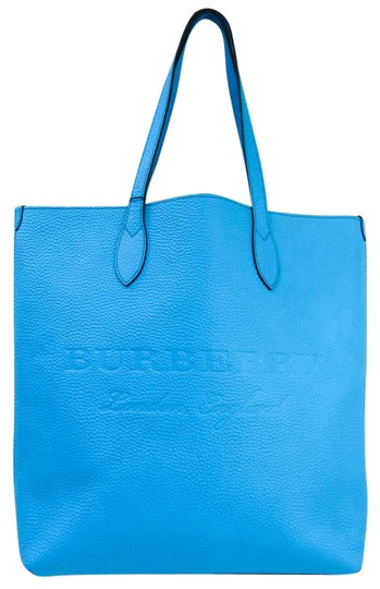 Preload https://img-static.tradesy.com/item/27002040/burberry-bag-4068849-unisex-blue-leather-tote-0-1-540-540.jpg