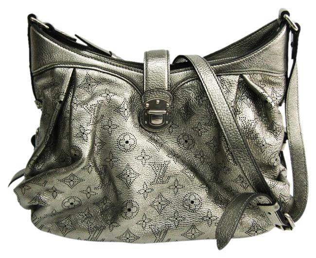 Louis Vuitton XS M95718 Argent / Argent Mahina Leather Shoulder Bag Louis Vuitton XS M95718 Argent / Argent Mahina Leather Shoulder Bag Image 1