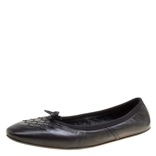 Preload https://img-static.tradesy.com/item/27002734/bottega-veneta-black-intrecciato-detail-leather-bow-ballet-flats-size-us-55-regular-m-b-0-0-540-540.jpg