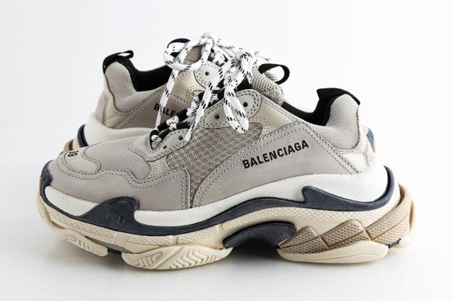 Item - Beige Triple S Low-top Sneakers Shoes