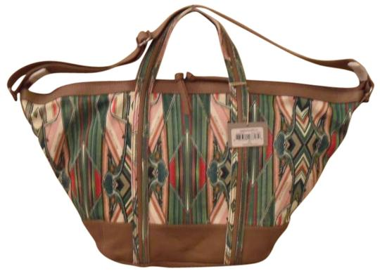 Preload https://item5.tradesy.com/images/isabella-fiore-beach-horizon-leather-handbag-brown-cream-pink-white-leather-trim-design-green-canvas-270069-0-0.jpg?width=440&height=440