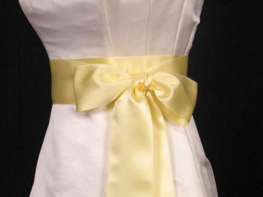 Preload https://img-static.tradesy.com/item/270092/buttercream-yellow-ribbon-sash-0-0-540-540.jpg