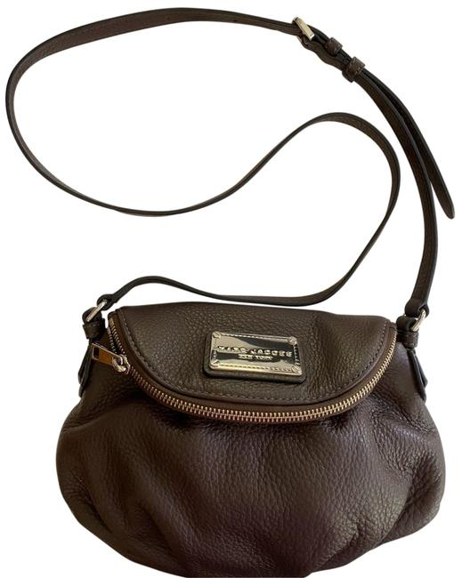 Item - Crossover Brown Leather Cross Body Bag
