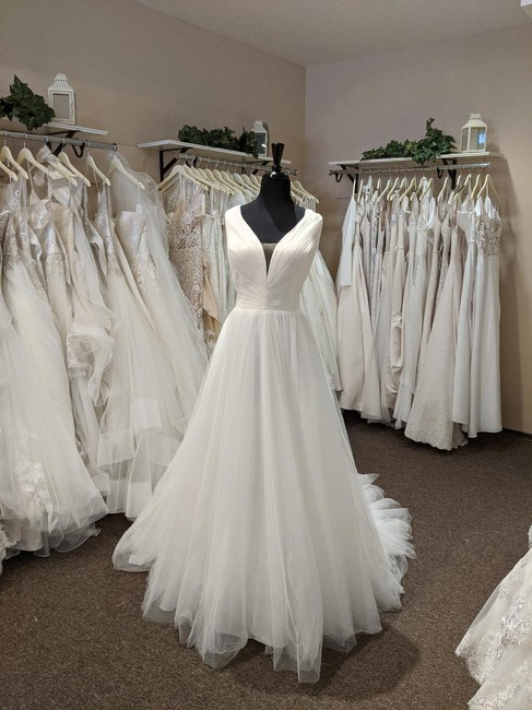 Item - Ivory Tulle 6964 Formal Wedding Dress Size 24 (Plus 2x)
