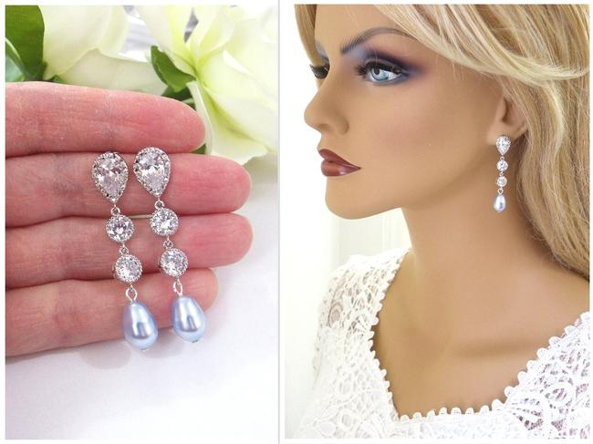 Item - Light Blue Teardrop Pearl Zircon Earrings