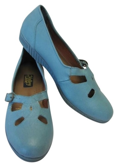 Preload https://item5.tradesy.com/images/valley-lane-blue-leather-good-condition-flats-size-us-85-regular-m-b-2702269-0-0.jpg?width=440&height=440