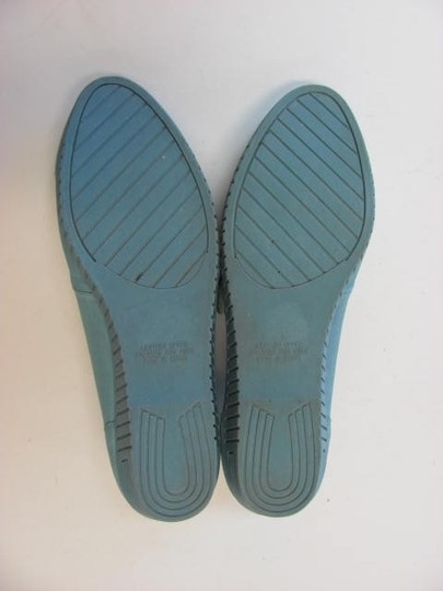 Valley Lane Leather Good Condition BLUE Flats