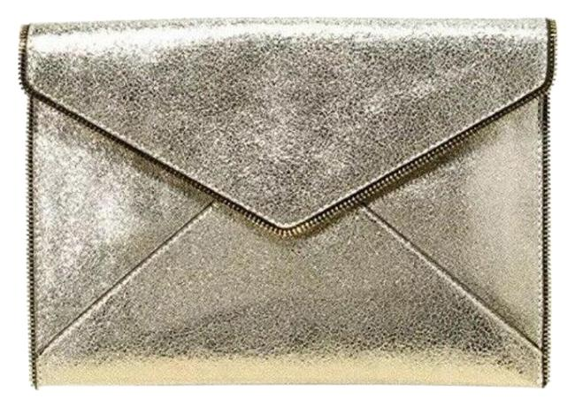 Item - Glitter Leo Envelope Gold Leather Clutch