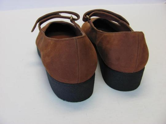 Main Woods New Excellent Condition Leather BROWN Flats