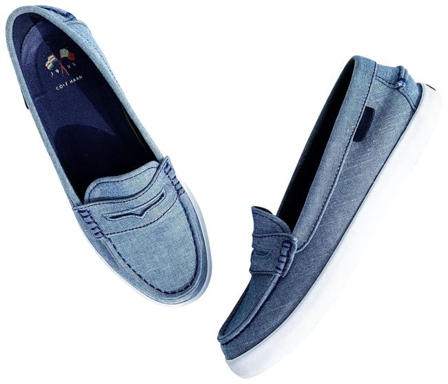 Item - Blue White Grey Chambray Nantucket Loafer Flats Size US 6 Regular (M, B)
