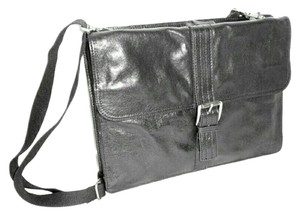 Kenneth Cole Reaction Balck Messenger Bag