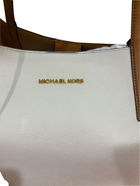 Item - Ivory and Nlack Leather Tote