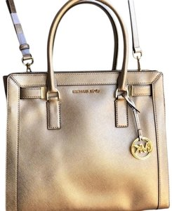 Michael Kors Mk Key Chain Limited Edition Leather Gold Tone Hardware Top Zip Closure Satchel in Pale-gold
