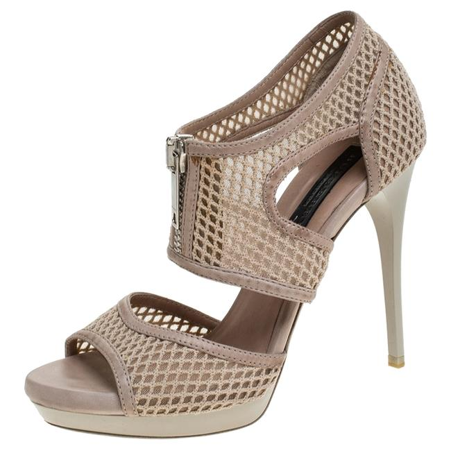 Burberry Beige Cotton Lace and Leather Trim Cut Out Platform Ankle Sandals Size US 6.5 Regular (M, B) Burberry Beige Cotton Lace and Leather Trim Cut Out Platform Ankle Sandals Size US 6.5 Regular (M, B) Image 1