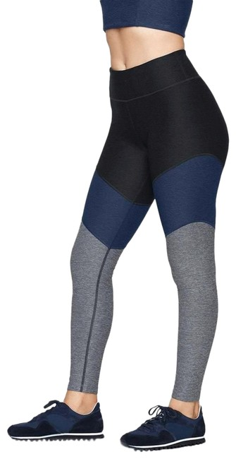Item - Charcoal/Navy/Graphite 7/8 Springs Activewear Bottoms Size 4 (S)