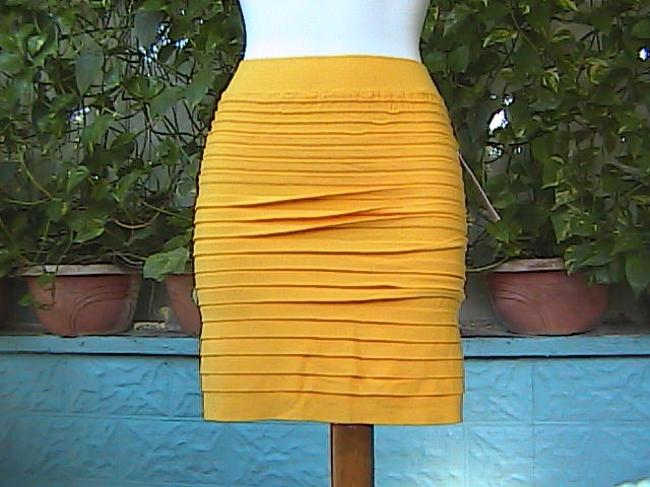 Lotus Seamless Stretch Pencil Mini Skirt Yellow