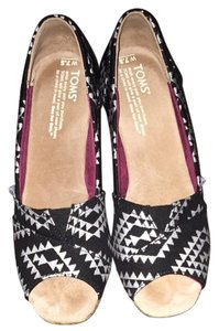 TOMS Black And Silver Wedges